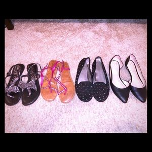 Bundle of 4 shoes